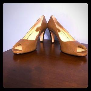 Cole Haan brown textured heels size 9 new no box